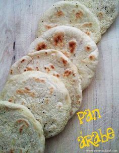 Pan pita y hummus Mexican Food Recipes, Real Food Recipes, Vegan Recipes, Cooking Recipes, Yummy Food, Arabian Food, Salty Foods, Pan Bread, Artisan Bread