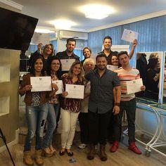 Parabéns! Certificados. (Siga @kviieira on Instagram) Signs, Instagram, Certificate, Shop Signs, Sign