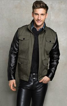 Choosing The Right Men's Leather Jackets. A leather coat is a must for every single guy's closet and is also an excellent method to express his personal design. Leather coats never ever head Fashion Moda, Denim Fashion, Leather Fashion, Style Fashion, Latest Looks For Men, Mens Leather Pants, Men's Leather, Revival Clothing, Hommes Sexy