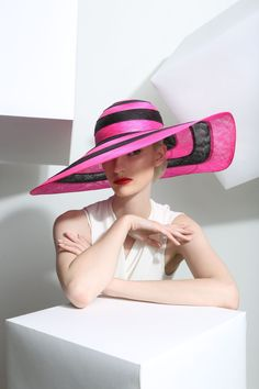 Philip Treacy Spring-Summer 2015 OC-895 (=)