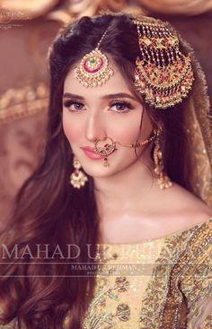 Bridal Mehndi Dresses, Pakistani Bridal Makeup, Asian Bridal Dresses, Pakistani Fashion Party Wear, Pakistani Wedding Outfits, Bridal Dress Design, Bridal Outfits, Muslim Fashion, Pakistani Dresses