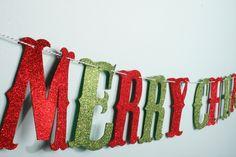 Merry christmas Girlande, Weihnachten, Weihnachtsschmuck, Weihnachtsdeko, Christbaumschmuck, Deko, Wimpel, giltter, glitzer, Buchstaben von Pompompous auf Etsy Merry Christmas, Christen, Friendship Bracelets, Advent Calendar, Holiday Decor, Party, Etsy, Jewelry, Christmas Tree Decorations