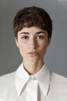 25-Cute-Short-Hairstyles-for-Round-Faces-2.jpg 500×750 pixels