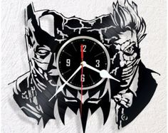 Reloj de pared de vinilo Batman por WoodenHMcraft en Etsy Batman, Record Art, Scroll Saw, Marvel Avengers, Cnc, Clocks, Wood Working, Great Gifts, Tower