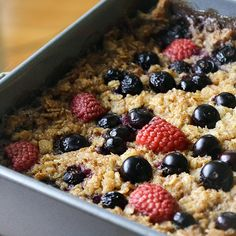Healthy baked oatmeal with raspberries and blueberries and less than 200 cals a serving,