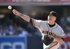 Tim Hudson #17 of the San Francisco Giants pitches during the first inning of a baseball game against the San Diego Padres Petco Park July 5, 2014 in San Diego, California. (Photo by Denis Poroy/Getty Images)