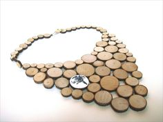 Montse Basora. Wood and enamel on silver