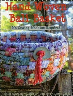 100 Brilliant Projects to Upcycle Leftover Fabric Scraps - Untinued Fabric Bowls, Fabric Yarn, Fabric Scraps, Woven Fabric, Basket Weaving, Hand Weaving, Woven Baskets, Rope Basket, Clothes Basket