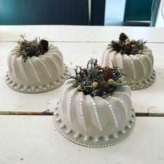 Christmas is moving in - Sieda Beton website - Beton - Awesome Garden Ideas Diy Garden Projects, Diy Pallet Projects, Projects To Try, Garden Ideas, Rock Garden Plants, Backyard Plants, Gravel Garden, Cement Art, Cement Crafts