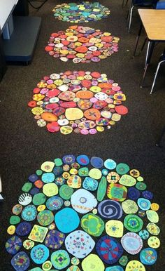 Are you a fan of The Dot by Peter Reynolds? Here are some of the best The Dot activities and inspiring art projects for the classroom. Arte Elemental, Class Art Projects, Group Projects, Collaborative Art Projects For Kids, Clay Projects, School Auction Projects, Auction Ideas, Classe D'art, Art Lessons Elementary