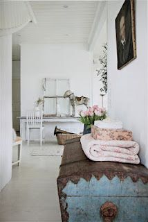 Pretty :) like the old chest and the rocking horse