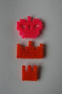 Superleuk patronen voor een Koningsdag kroontje. Gemaakt van strijkkralen.