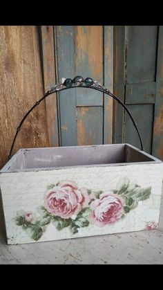 Wood Projects, Craft Projects, Diy And Crafts, Arts And Crafts, Decoupage Box, Craft Business, Wood Boxes, Plant Hanger, Shabby