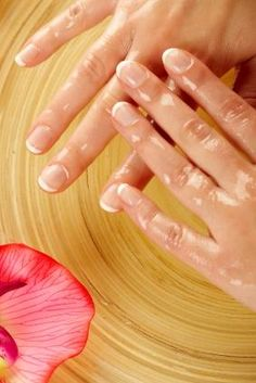 beautiful healthy nails - Tips to help you bring back healthy nails after acrylics.