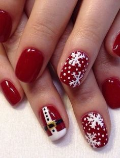 Christmas Nail Art Designs Which Are perfect for the Holiday Season – Hike n Dip - Christmas nails Christmas Gel Nails, Christmas Nail Art Designs, Holiday Nails, Christmas Ideas, Nail Art For Christmas, Christmas Nails 2019, Christmas Design, White Christmas, Christmas Holiday