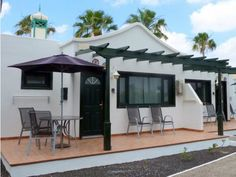 Playa Park Bungalows - 1 Bed Bungalow for rent in Puerto del Carmen Lanzarote sleeps up to 4 from £259 / €0 a week