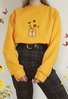Sunflower floral embroidered yellow sweatshirt flower jumper 42 unordinary retro outfit ideas for girl outfitideas unordinary retro outfit ideas for Teen Fashion Outfits, Mode Outfits, Cute Fashion, Fashion Clothes, Quirky Fashion, Club Outfits, Fashion Fashion, Fashion Models, Cute Casual Outfits