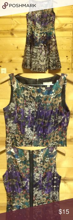 DB dress sz 8 Beautiful floral print dress. Well made. Sz 8 Dresses Midi