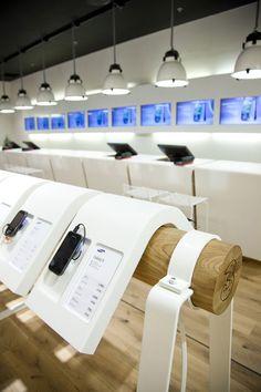 3 MOBILE store by Riis Retail, Aarhus   Denmark store design: