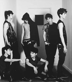 i don't know why but exo look really look cool in this gif. Plus Baekhyun and Chanyeol are there so yh. I bet if exotics saw this they would focus on shirtless kai but i only focused on Baekhyun and Chanyeol lol Kpop Exo, Kai, K Pop, Shinee, Kdrama, Park Shin, Exo 12, Chanyeol Baekhyun, Xiuchen