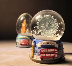 london snow globe - Buscar con Google