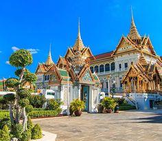 Bangkok  İnanışlarına sımsıkı bağlı olan Bangkoklular arasında zaman geçiriken, birbirinden ilginç geleneklerle karşılaşabilirsiniz. http://bit.ly/1pbGway #etstur #KeskeTatilOlsa #tatil #holiday #travel