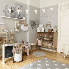 Such a fab little corner here featuring our Olliella Piki & Luggy baskets, Mrs Mighetto prints, Stickstay Wall Stickers & Lucky Boy Sunday dolls! You can shop all of these amazing brands online now. Store link in our bio. Happy Friday ✌🏼 Image via Girl Room, Girls Bedroom, Girls Room Organization, Scandinavian Kids Rooms, Interior Room Decoration, Toddler Rooms, Nursery Room Decor, Kids Room Design, Brands Online