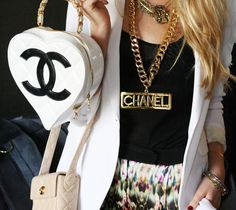 Chanel white quilted lambskin heart bag Resort 2009 image 2