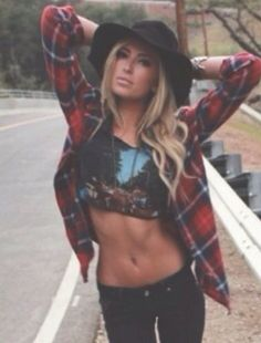 Paulina Gretzky - great festival outfit!
