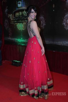 Lauren Gottleib showing her sexy back on the red carpet of Indian Television Awards Indian Anarkali, Pakistani, Indian Clothes, Indian Outfits, Bollywood Fashion, Bollywood Actress, Latest Pics, Indian Fashion, Desi