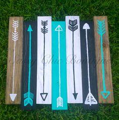 "26"" x 24"" Turquoise Arrow Wood Pallet Art (Customizable Colors)"