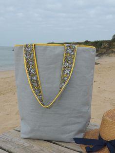 Sac de plage en lin enduit gris : Sacs bandoulière par happyaime