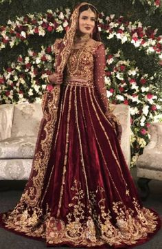 40 Ideas asian bridal hijab pakistani dresses for 2019 Bridal Mehndi Dresses, Asian Bridal Dresses, Asian Wedding Dress, Pakistani Wedding Outfits, Indian Bridal Outfits, Bridal Dress Design, Pakistani Bridal Dresses, Pakistani Wedding Dresses, Wedding Attire