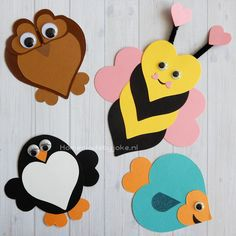 Om deze leuke dieren van hartjes te knutselen heb je behalve gekleurd papier niet veel nodig. Leuk voor Valentijnsdag, moederdag of vaderdag.