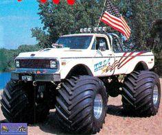 love the old school monster trucks Ford Trucks For Sale, Custom Lifted Trucks, Gm Trucks, Cool Trucks, Pickup Trucks, 67 72 Chevy Truck, Chevy Trucks, Mudding Trucks, Chevy 4x4