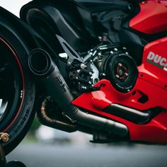 Ducati Panigale — ducatiobsession:   SC Project Exhaust ...