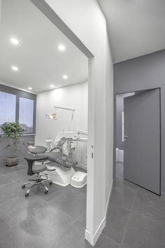 Arad Dental Clinic by Ayeneh Office                              …