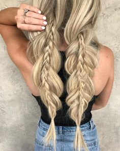 Cool inset braids. #Braids Pinterest//TatiRocks⭐️