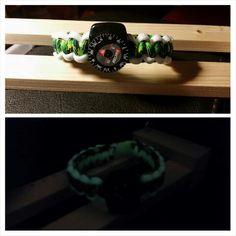 Armband met kompas. Glow in the dark