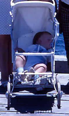 child with in Baby Buggy, Baby Prams, Childhood Memories, Real Life, Baby Strollers, Creepy, Dolls, Children, Vintage