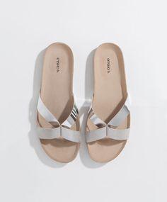 48738f97d8d614 Basic twisted strap sandals