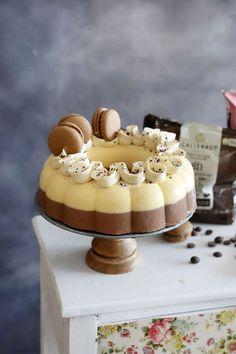 Mira esta receta veraniega. El postre ideal de tarta helada de chocolate y naranja Cheesecake, Desserts, Food, Cake Recipes, Chocolate Mouse, Frozen Custard, Tailgate Desserts, Deserts, Cheesecakes