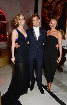Pin for Later: Sam Claflin and Laura Haddock Are the Cutest Red Carpet Couple Ever When Even Jennifer Lawrence Wanted in on All This Love