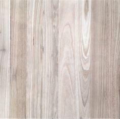 How To White Wash/ Lime wash Wood Flooring Types Of Wood Flooring, Diy Wood Floors, Oak Hardwood Flooring, Diy Flooring, Painted Floors, Painted Furniture, White Wash Wood Floors, Red Oak Floors, White Washed Oak