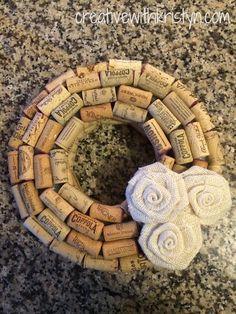 Creative with Kristyn: Wine Cork Wreath DIY Wine Craft, Wine Cork Crafts, Wine Bottle Crafts, Wine Bottles, Diy Arts And Crafts, Hobbies And Crafts, Wine Cork Projects, Diy Projects, Wine Cork Wreath