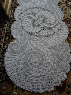 Filet Crochet -  an absolutely beautiful table runner.: