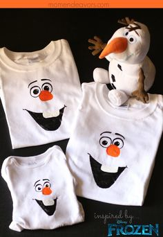 Snowmen and snow angels are so much fun to make! Have even more fun this holiday season by learning how to make Frozen's Olaf out of snow and so much more! Olaf Costume, Frozen Costume, Frozen Silly Putty, Crochet Olaf, Frozen Party Activities, Disney Frozen Crafts, Olaf Toys, Olaf Pumpkin, Olaf Hat