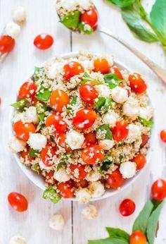 Aromatischer Quinoasalat mit Tomaten, Mozzarella und Basilikum