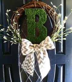 Personalized monogram initial Wreath. Custom letter front door decor. Holiday gifting, housewarming, wedding, great for any occasion on Etsy, $39.99