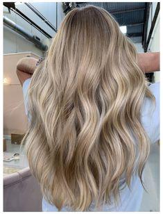 Sandy Blonde Hair, Blonde Hair Shades, Dyed Blonde Hair, Blonde Hair Looks, Brown Hair Balayage, Brown Blonde Hair, Dirty Blonde Hair With Highlights, Neutral Blonde Hair, Natural Blonde Balayage